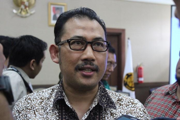 Anggota Dewan Energi Nasional (DEN) Syamsir Abduh usai jumpa pers di kantor Kementerian ESDM. Foto Andika/Nusantaranews