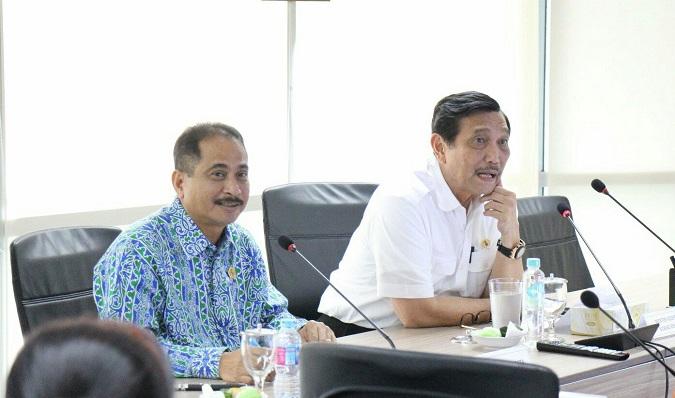 Menpar Arief Yahya bersama Menko Maritim Luhut B Pandaitan di Jakarta, Jumat (25/11/2016)/Foto Andika/ Nusantaranews