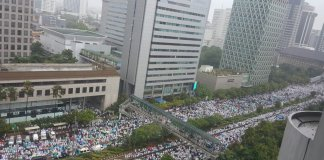 Massa aksi 212. Foto via @jituofficial