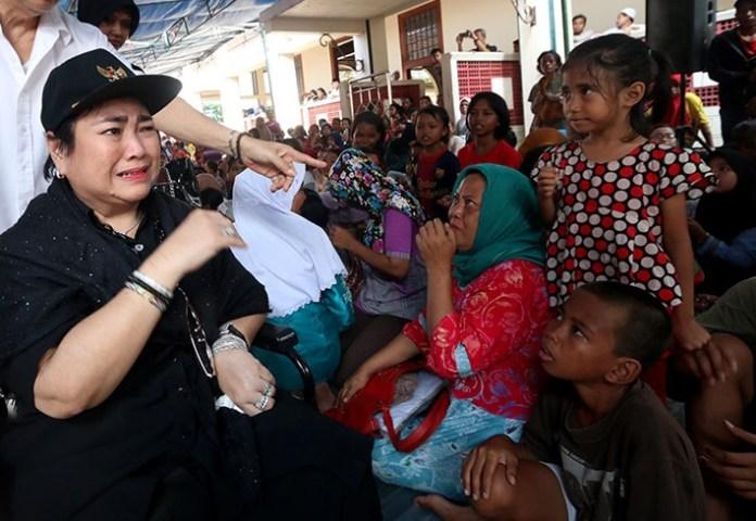 Putri Sang Proklamator RI, Rachmawati Soekarnoputri Tampak bersedih. Foto Ilustrasi via detak.co
