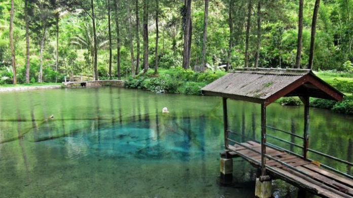 danau rambut monte, dilereng gunung kawi, blitar. Foto via sportourism