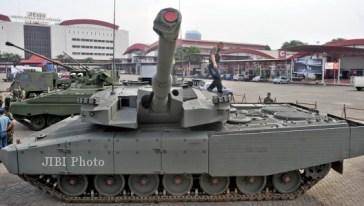 Tank Leopard Revolution yang memperkuat TNI AD dipamerkan di arena pameran produk pertahanan Indo Defence/Foto: Dok. JIBI