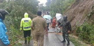 Dandim 0824 Himbau Masyarakat Waspada Bencana Banjir/Foto Sis24