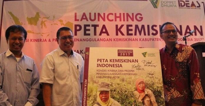 Louncing Buku Peta Kemiskinan Indonesia Oleh Direktur Dompet Dhuafa, Ketua IDEAS dan Dirjen Penanggulangan Fakir Miskin Kemensos. Foto Dok. Pribadi
