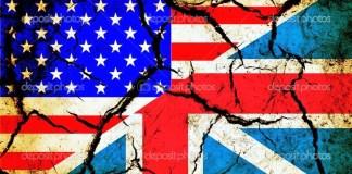 Usa and England flag together on grunge background — Stock Photo
