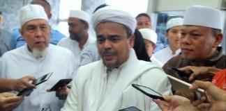 Habib Rizieq beserta rombongan saat di DPR didampingi Wakil Ketua DPR Fahri Hamzah/Foto Deni/NUSANTARAnews