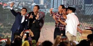Foto bersama Cagub-Cawagub DKI Usai Debat/ Foto: Dok. detikcom / Rengga Sancaya