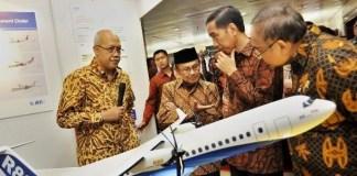 BJ Habibie Presentasikan Pesawat R80 Pada Jokowi/Foto: Dok. Lebah Master