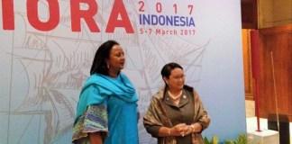 Menteri Luar Negeri RI, Retno Marsudi bersama Sekretaris Kabinet Kenya, Amina C. Mohamed. Foto Okezone.com | Rahman