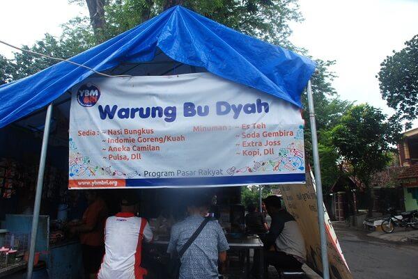 Warung Ibu Dyah yang terletak di jalan Ngangel Jaya Selatan, Surabaya. Foto Semangan Berindonesia