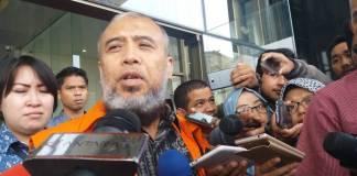 Mantan Hakim MK, Patrialis Akbar datang ke KPK/Foto: Restu Fadilah/Nusantaranews