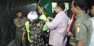 Pelepasan Personil Banser Indonesia untuk ditempatkan di 604 Posko Mudik 2017. Foto Gatot Arifianto