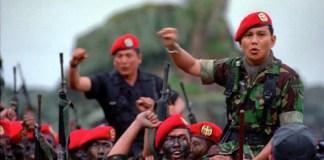 (Kolonel) Prabowo Subianto selepas menjalani pendidikan komando di Nusakambangan, 1993. Foto: Istimewa