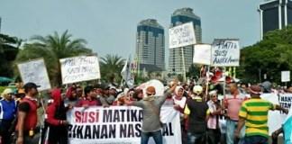 Demonstrasi para Nelayan dari Rembang di Jakarta. Foto Al Ayubi/ NUSANTARANEWS.CO