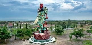 Patung Jenderal Perang Cina Kwan Sing Tee Koen di Klenteng Kwan Sing Bio. Foto: Dok. Nusantara.news
