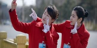 Media sosial telah menjadi obsesi orang-orang di Tiongkok. (Foto: AFP/Wang Zhao)