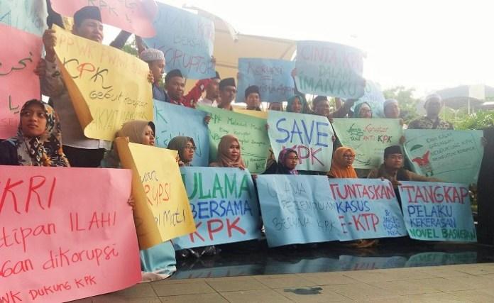 Kiai NU Sambangi KPK Berikan Dukungan. Foto Restu Fadilah/ NusantaraNews