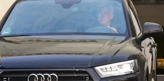 Carlo Ancelotti meninggalkan Bayern Munich sesaat setelah dipecat dari klub. (Foto: EPA)