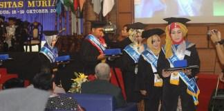 Wisudawan Universitas Muria Kudus (UMK) untuk Program Pascasarjana (S2) dan Sarjana (S1) periode II Oktober 2017. Foto: Dok. Humas UMK/ NusantaraNews