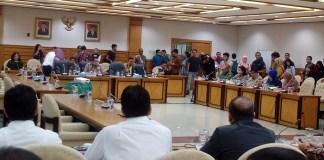 Komisi IX DPR bersama Bupati Tangerang Ahmed Zaki Iskandar Gelar Rapat Bahas Ledakan Pabrik Mercon (Foto Andika/Nusantaranews)