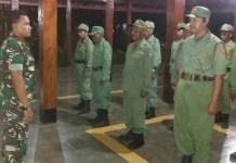 Peduli Keamanan, TNI Sambangi Linmas. Foto Timbul/ NusantaraNews