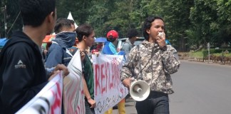 Aliansi Mahasiswa ITB Gelar Aksi Tolak Reklamasi (Foto Istimewa/Nusantaranews)