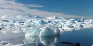 Gundukan es di Antartika. Foto: REUTERS