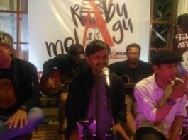 Performance BCCF (Bumiayu Creative City Forum) divisi musik bawakan konset musik Telung Swara. Foto: Dok. BCCF