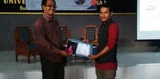 Cerpenis Sule Subaweh Bersama Juanda Prodi PBSI UNSA. Foto: Dok. Istimewa/ NusantaraNews