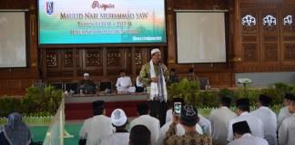 Pemerintah Tuban, Jawa Timur menggelar peringatan Maulid Nabi Muhammad SAW di Pendopo Kridho Manunggal, Jalan Gubernur Raden Mas Suryo, Tuban pada Sabtu (9/12). Foto: Penrem/Candra Yuniarti