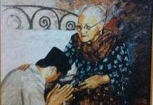 Soekarno saat memberi hormat pada Ibunya. Foto: Dok. andrirusli