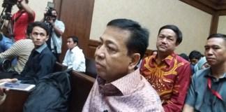 Setya Novanto (Setnov) di Pengadilan Tipikor, Jakarta Pusat, Senin (13/1/2018). (Foto: NUSANTARANEWS.CO)