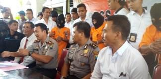 Kapolres Sumenep AKBP Fadillah Zulkarnaen memberikan keterangan terhadap penangkapan Pelaku Curanmor di Sumenep Madura.