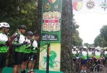 Ribuan peserta road bike yang memadati lapangan Makodam V/Brawijaya