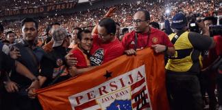 Gubernur DKI Anies Baswedan Rayakan Kemenangan bersama The Jak Mania (Foto Istimewa)