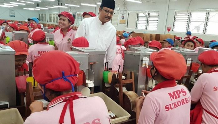 Ribuan Buruh Perempuan Doakan Gus Ipul Jadi Gubernur Jatim. Foto: Setya/ NusantaraNews