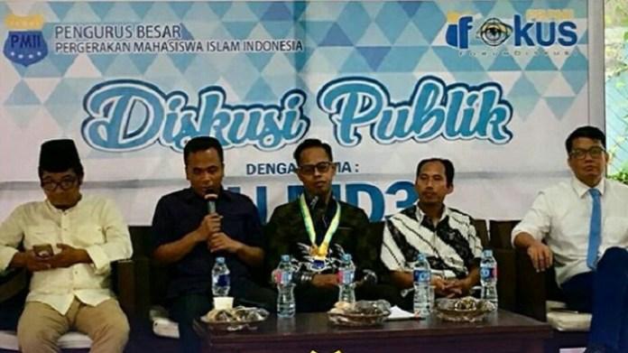 Diskusi Publik bertajuk