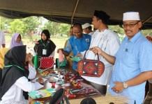 Dayah Entrepreneur Darussalam Gelar Bazar Kreatif Santri. (FOTO: NUSANTARANEWS.CP/Panitia)