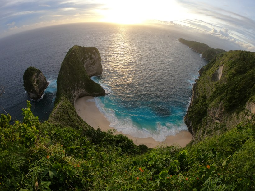 kelingking-beach-nusa-penida-day-tour.jpg