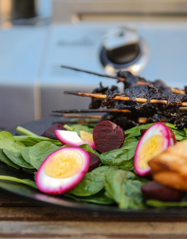 Grilled maple beef skewers with fresh salad for Mothers Day on NUtmeg Disrupted