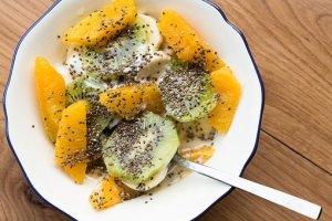 graines de chia et fruits