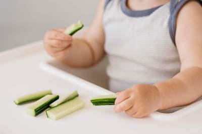 Aliments appropriés pour jeune enfant