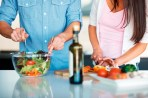 couple-healthy-cooking