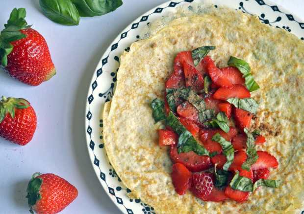 whole wheat crepes with strawberries
