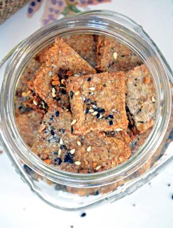 Homemade Whole Wheat Everything Crackers