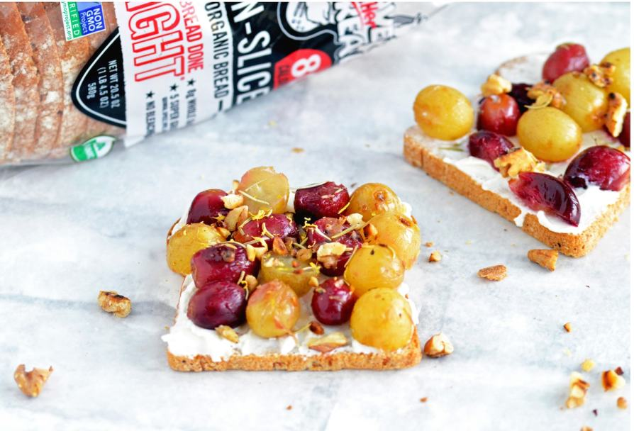 Recipe for Roasted grapes and ricotta on toast