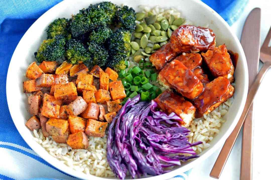 Vegan BBQ tempeh rice bowl