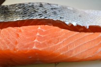 Beautiful, bright and fresh salmon! Find the recipe for Asian cooked salmon