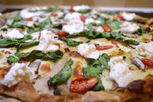 Sourdough Pizza Crust w:Mozarella, Spinach, Tomatoes, Baby Bellas, Fresh Oregano, Garlic