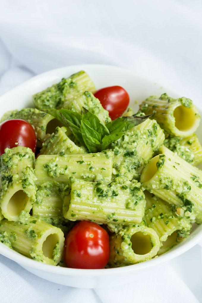 vegan basil pesto pasta